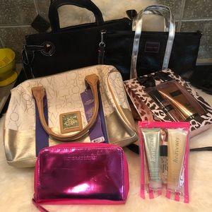 VS Bundle 🌸 3 bags, 1 wristlet, Heavenly & Blush